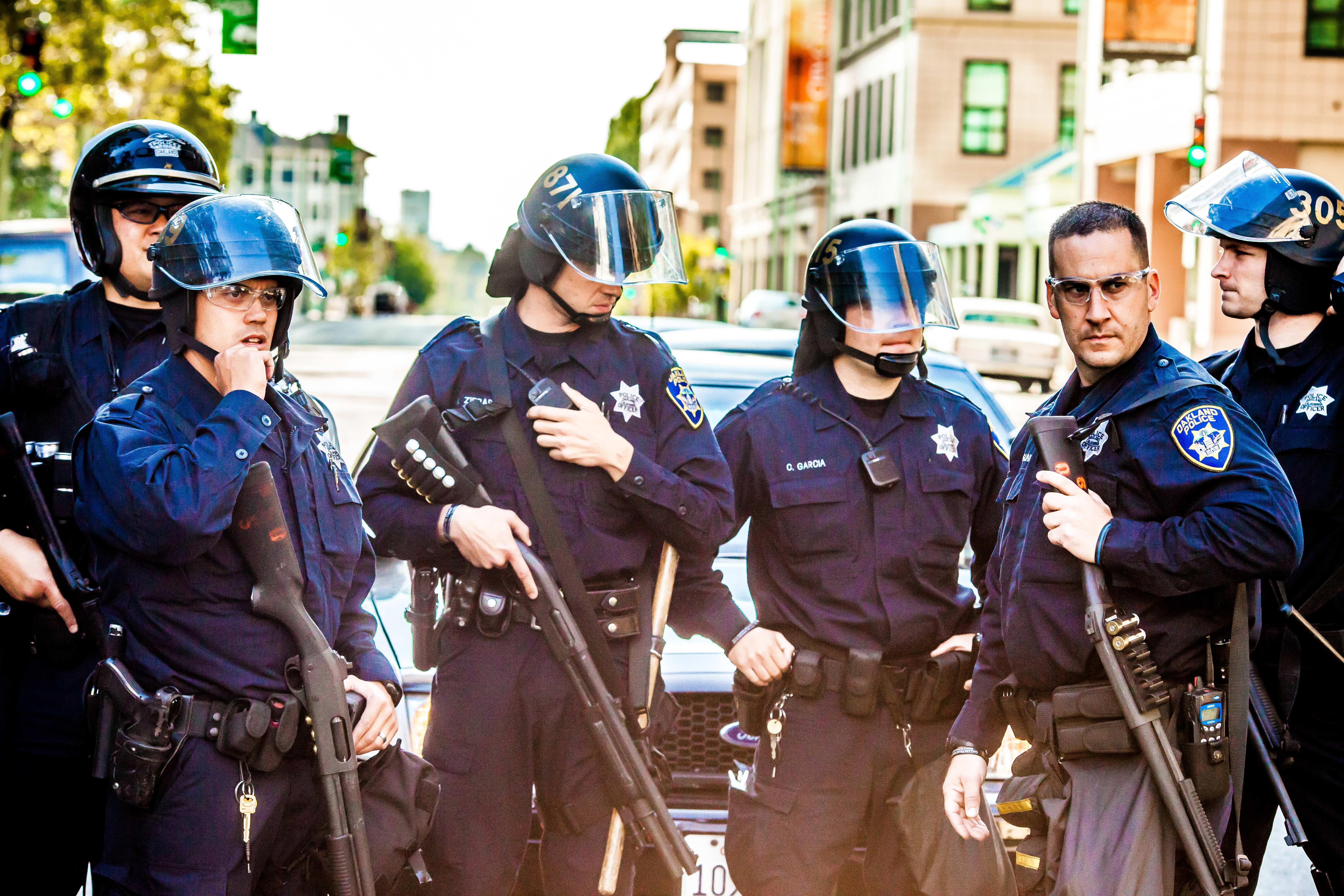 4 Oakland cops stand by their car